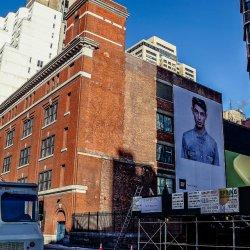 billboard na budynku